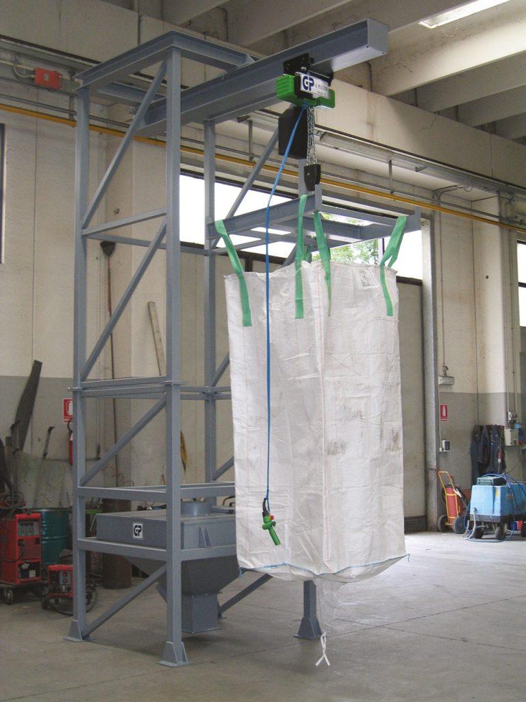 Vidange big bag par palan électrique pour silo mélangeur vertical recyclage plastique